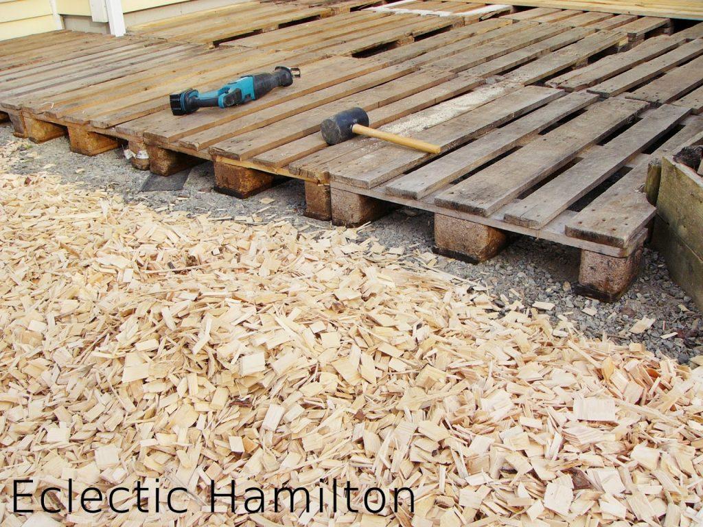 DIY mit Paletten Terrasse selbst gebaut,Terrasse selber bauen, selbermachen Terrasse aus Paletten gebaut