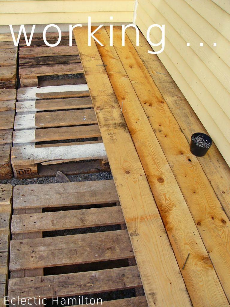 DIY mit Paletten Terrasse selbst gebaut,Terrasse selber bauen, selbermachen DIY Terrasse aus Paletten gebaut