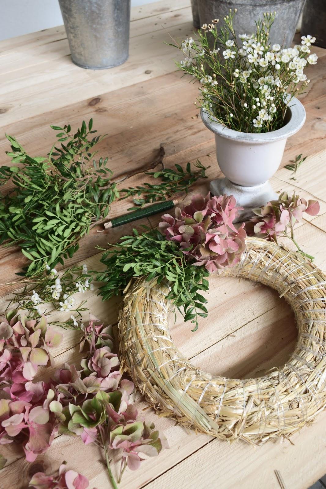 Hortensienkranz mit Pistaziengrün