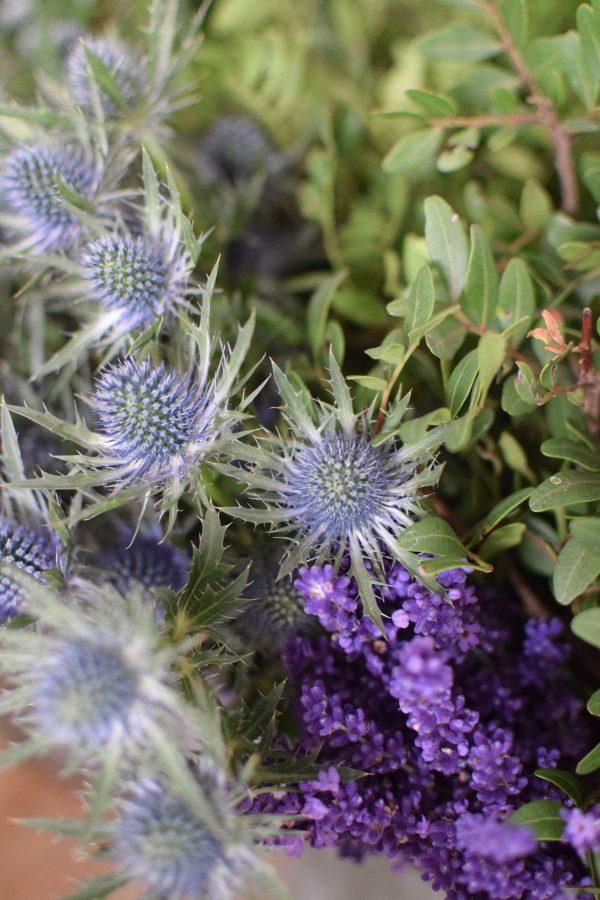 Disteln Lavendel, Pistaziengrün Deko mit Naturmaterial frisch und getrocknet Naturdeko Kreativsein Basteln Dekoidee