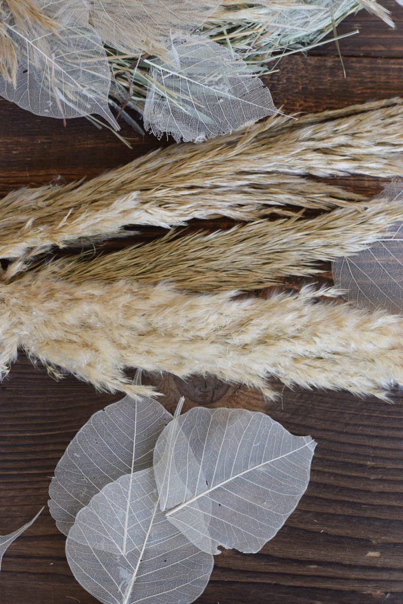 Kreativ-Set Heukranz Federleichter Sommertraum selbermachen mit Pampasgras und getrockneten Blättern. Kranz Kränze DIY Kreativsein mit Mrs Greenery