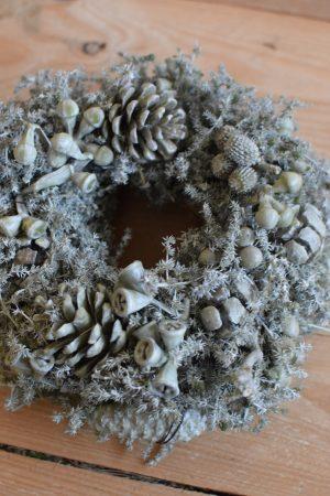 Zapfenkranz gewachst grau Wachskranz mit Zapfen Winterdeko Weihnachtsdeko