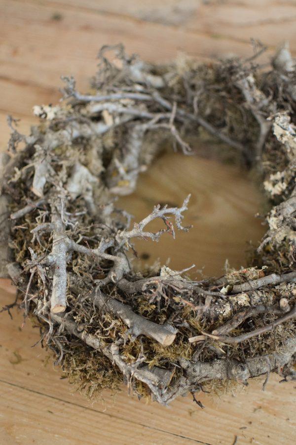 Mooskranz mit Bonsaiholz Holz Fertigkranz Kranz gebunden Naturdeko