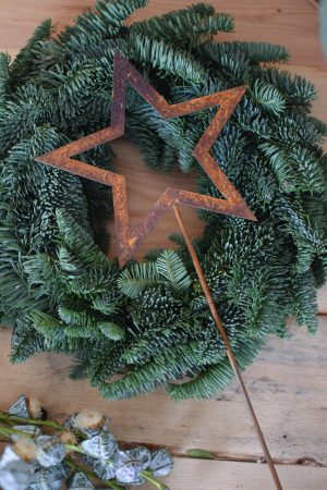 Stern-Stecker aus Metall in Rostoptik für deine winterliche weihnachtliche Deko Dekoidee