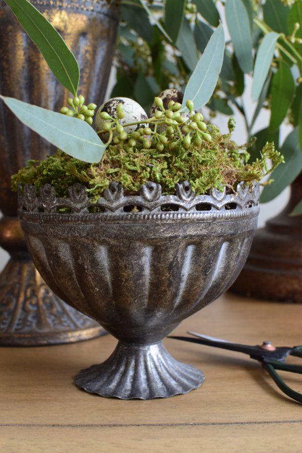 Pokal Metall zum Dekorieren. Becher Gefäß Vase Metallpokal Deko Naturdeko Topf