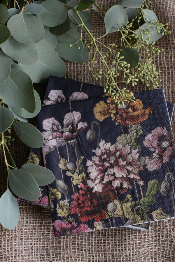 Florale Serviette. Die wunderschöne Serviette mit tollem Blumenmotiv sind perfekt für alle Pflanzenliebhaber