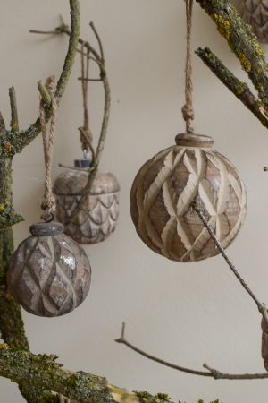 Holz Anhänger Kugel Holzkugel Weihnachtskugel Eichel Holzeichel Aufhänger Hänger Weihnachtsanhänger Holzdeko Advent Weihnachten natürliche Weihnachtsdeko im Mrs Greenery Shop bestellen