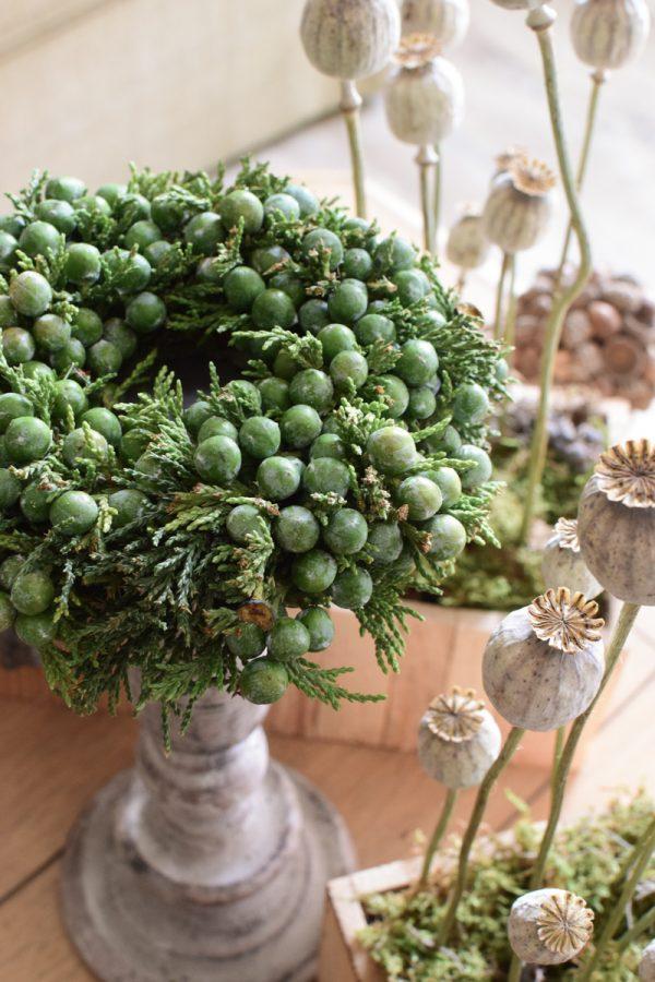 Wacholderkranz mini klein Beerenkranz grün fertig gebunden Fertigkranz Kranz Kränze im Mrs Greenery Shop kaufen bestellen
